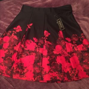 NYCC red and black roses skirt